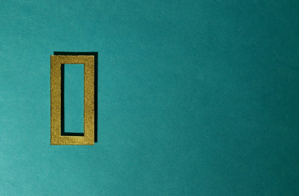 fond bleu avec jolie cadre doré